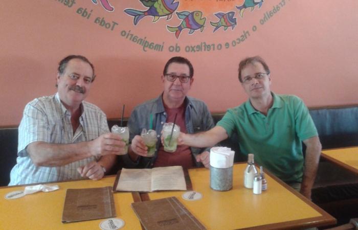 Con los escritores Roniwalter Jatobá y Ronaldo Cagiano, San Pablo, 15 de noviembre de 2016.