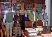 Presentación de El ojo en la piedra. En la Academia Nacional de Letras, junto a Ricardo Pallares, Jorge Arbeleche, Wilfredo Penco y Adolfo Elizaincin. Montevideo, 2009