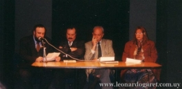 Montevideo, Ministerio de Educacoión y Cultura, 1999. Presentación de Las hojas de par en par. Con Lauro Marauda, Miguel Ángel Campodónico y Marosa di Giorgio.