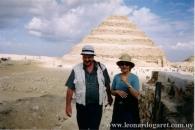 Con María Cristina Reyes, en la pirámide de Zosar, en Sakkara, 2003